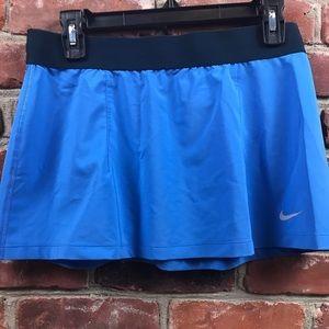 Nike dri fit pull on skirt size medium